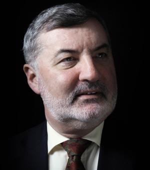 Portrait picture of Lord John Alderdice
